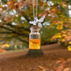 NWT Silver Honeybee Bee Jar Honey Pendant Necklace